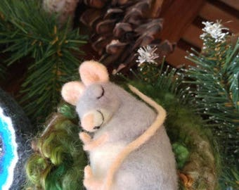 Felted Sleeping Mouse