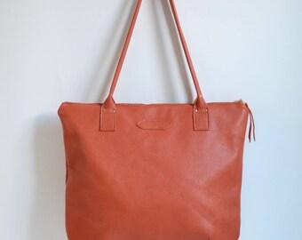 Nana large leather dart tote: Pebbled orange