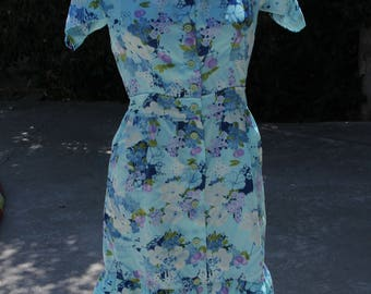 Fun lightweight vintage dress