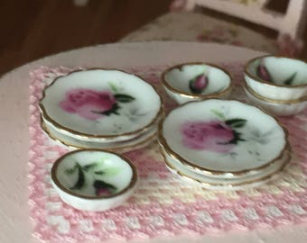Miniature Pink Rose Bowls and Plates Set, Dollhouse Miniatures, 1:12 Scale, 8 Piece Set, Gold Trim Bowls and Plates, Dollhouse Accessory