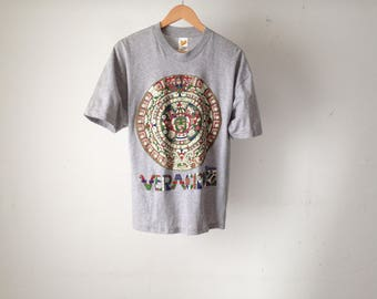 vintage VERACRUZ mandala UNIVERSE heather grey faded bright t-shirt top
