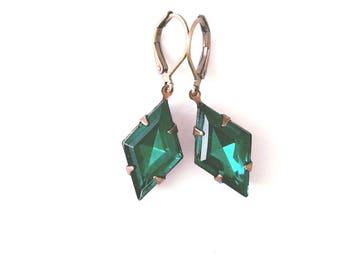 Emerald green earrings Green dangle earrings Emerald earrings Art deco earrings May birthstone earrings Bridesmaid earrings Gift for Her