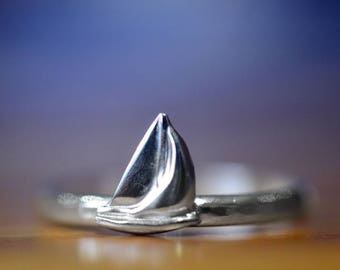 Sterling Silver Ship Ring, Nautical Charm Ring, Silver Sailboat Ring, Handmade Charm Jewelry, Customized Sailing Gift for Men & Women
