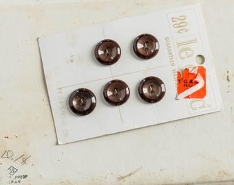 Vintage Lot of 5 Brown Plastic Buttons on Card La Mode Coat Sewing Notion