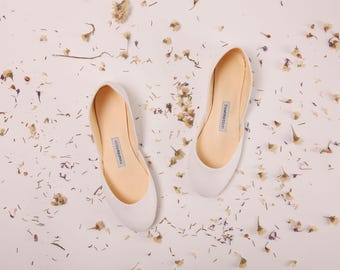 Flat wedding shoes etsy bridal ballet shoes ivory ballet flat wedding shoes minimal bridal shoes ballet flats in junglespirit Image collections