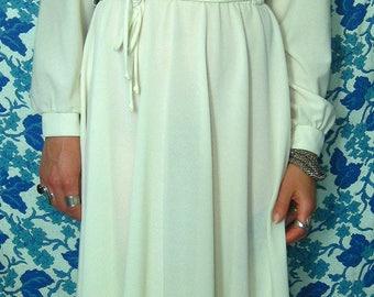 Vintage 1970's White Long Sleeve Dress