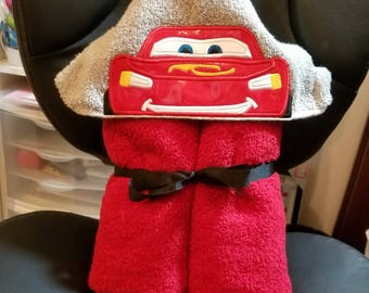 Lightning McQueen Cars Hooded Towel