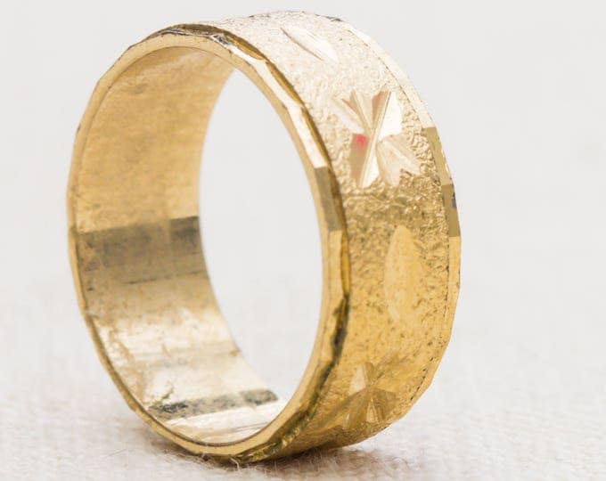 Gold Etched Band Vintage Ring Thick Band Textured Beveled Edge US Womens Size 9 7RI