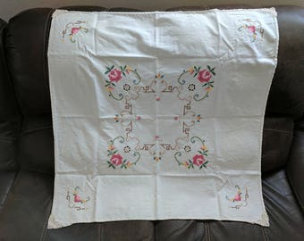 """Vintage SMALL Tablecloth Hand Embroidered / Cross Stitch Flowers with pretty Details 32"""" x 33"""" *eb"""