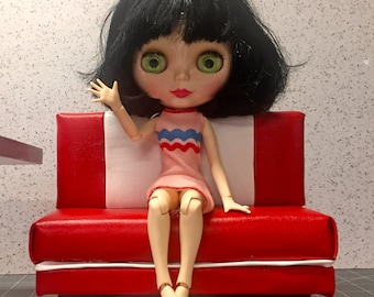 Blythe red bench sixth scale chair  (Barbie, action figures,monster high)
