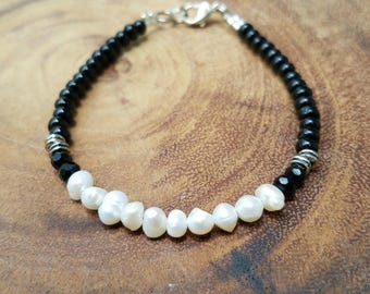 Freshwater Bracelet with Black Beads