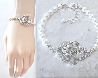 Pearl and crystal bracelet,Wedding bracelet,Swarovski pearl jewelry,Brides pearl bracelet,Bridal jewelry,Pearl bracelet,RACHEL