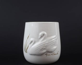 Vintage Ceramic Swan Vase - Gloria Vanderbilt Swan Home Decor