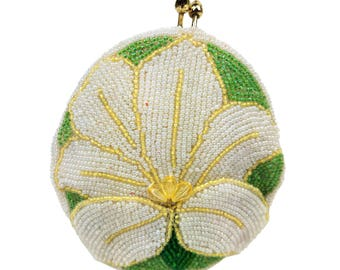 Vintage Delill White Lily Flower Coin Purse // Hand Made in Japan, 1960s Beaded Tropical Plant, Kiss Lock, Seed Bead, Evening Change Purse
