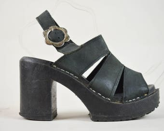 90s Black Leather Strappy Daisy Buckle Platform Sandals UK 4 / US 6.5 / EU 37