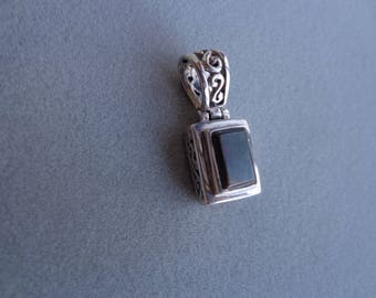 Reversible .925 silver pendant / stone.