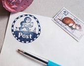 """Stempel """"Post"""" runder Stempel in hübscher Geschenkbox"""