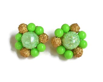 Green Bead Cluster Clip On Earrings Textured Gold Lime Frost Mint Color Signed Japan, Green Bead Earrings