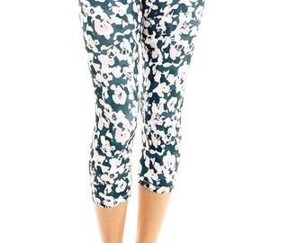 Womens Yoga Pants - Capri Yoga Leggings - Printed Yoga Pants - Yoga Clothes - Yoga Leggings - Activewear - Capri Leggings