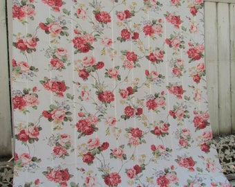 Vintage Large Rose Covered Tablecloth