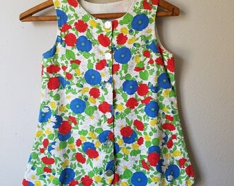 Vintage Girls Floral Top and Shorts with Scalloped Edge and Red, White, and Blue - Size 5-6 - Gently Worn- Dress