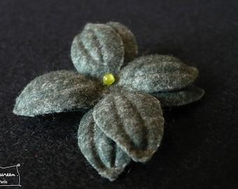 """Nimue"" Midnight Blue Green Pearl flower hair clip"