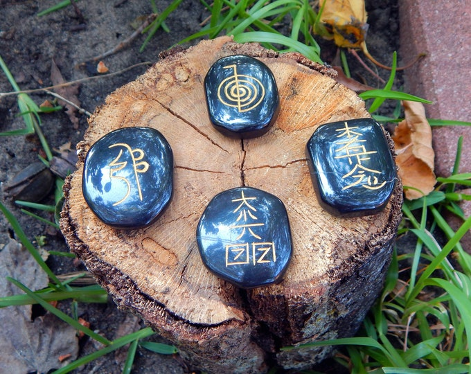 ENGRAVED Usui Reiki Symbol SET of 4 - Polished Black Agate natural palm stone - Wicca Pagan Energy-work Tool