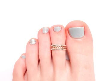 Twist Toe Ring in Sterling Silver and 14K Rose Gold-Filled, Twisted Toe Ring, Summer Toe Ring, Mixed Metals Toe Ring, Adjustable Toe Ring
