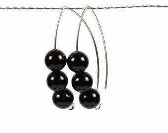 silver onyx earrings, silver earrings, onyx earrings, silver onyx, gemstone earrings, modern design earrings, black earrings, black onyx