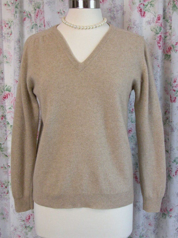 60s Pringle Cashmere Sweater Pullover - Taupe Putty Tan Jumper - Pringle of Scotland - V Neckline - Classic - Excellent Condition - Size 42