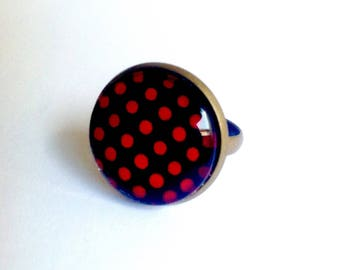 Retro red polka dots on black background glass cabochon ring, bronze. Adjustable ring.