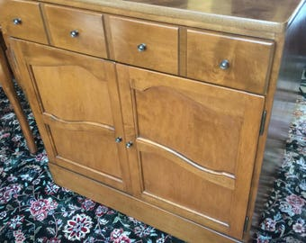 Vintage Ethan Allen Heirloom Nutmeg Double door Door Console Cabinet 10-4513 Insured safe nationwide shipping available