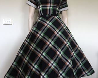 Perfect 50s New Look Green and Bkack Plaid Preppy Day Dress / Medium Large