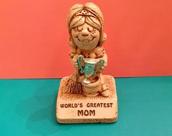 "Vintage ""WORLD'S GREATEST MOM"" Sillisculpt Statuary Mother's Day 1970"