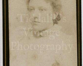 CDV Carte de Visite Photo Young Pretty Victorian Lady Portrait by John Avery of London - Antique Photograph