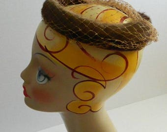 Vintage 1950s Brown Mink Fur Halo Headpiece with Netting