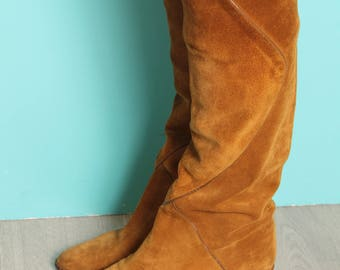 Mustard suede boots (S 4/4,5)