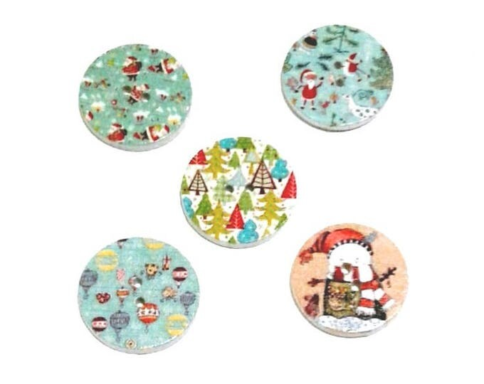 5 x Round Christmas wooden buttons