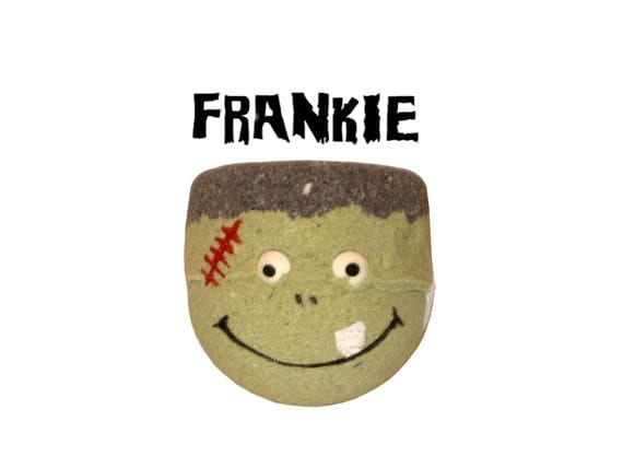 FRANKIE Bath Bomb - Ghastly Bath Fun with Organic Coconut Oil & Rice Bran Oil - / Vegan / Kids / Bathtime Fun / Bath Fizzer / HALLOWEEN