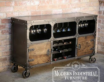 armoire vin industriel moderne bahut bar rangement. Black Bedroom Furniture Sets. Home Design Ideas