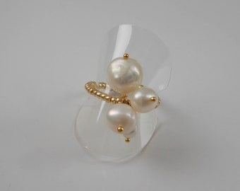 Thin ring small gold beads and white cultured pearls, Baroque.