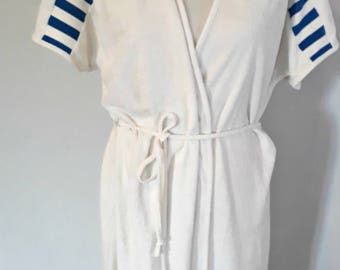 Retro 80's towelling robe white and blue Med/Large