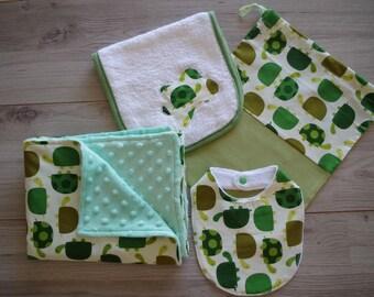 Birth Set: Cover, exchange bag, antiregurgitation towel and bib