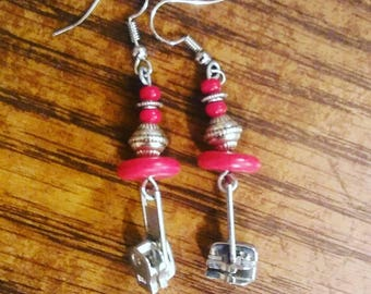 Red Zippers - Jukeboxx Jewelry and Crochet