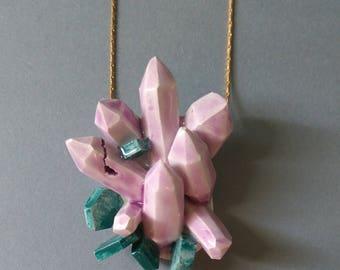 Pendant Rose Quartz geodes-inspired ceramic.