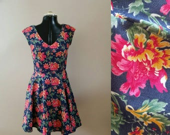 Vintage 50s style denim dress circle skirt with floral print fit and flare Size S