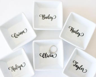 Personalized Ring Dish | Gift for her | Mother's Day gift | Ring holder | Trinket Dish | Personalized gift | Jewelry dish | Bridesmaid gift
