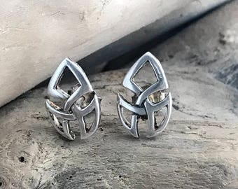 Sterling Silver Celtic Knot Earrings, Irish Jewelry  CLT023