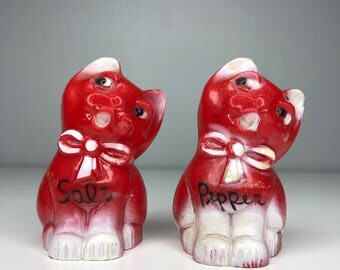 vintage red plastic cat salt and pepper shakers