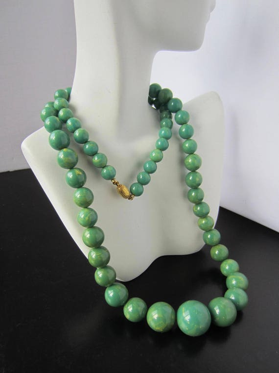 Big Bakelite tested turquoise GREEN marbled Bead NECKLACE ~awesome, rare Bakelite color vintage costume jewelry